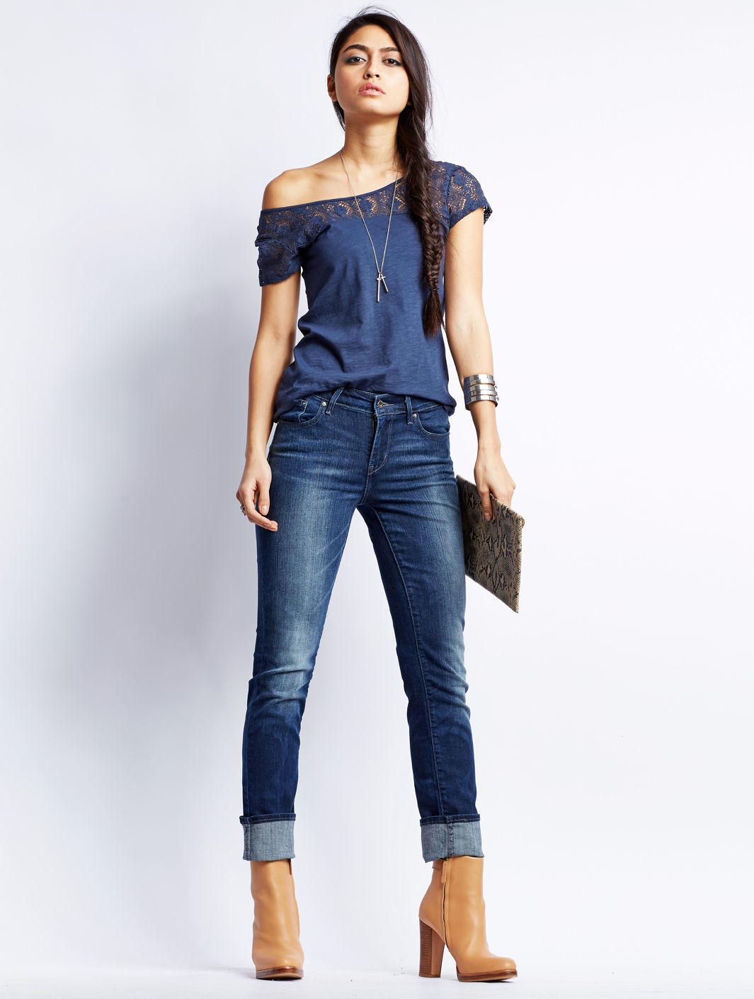 Je teste une nouvelle coupe de jeans sur jean - J ai decide de ne plus porter de sous vetements ...